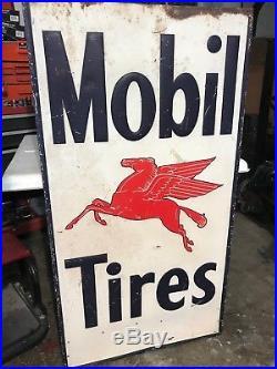 Vintage Mobil gas sign Porcelain great condition